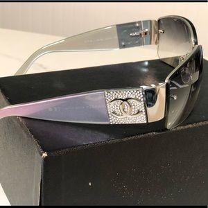CHANEL iridescent sunglasses (AND HARD CASE!)